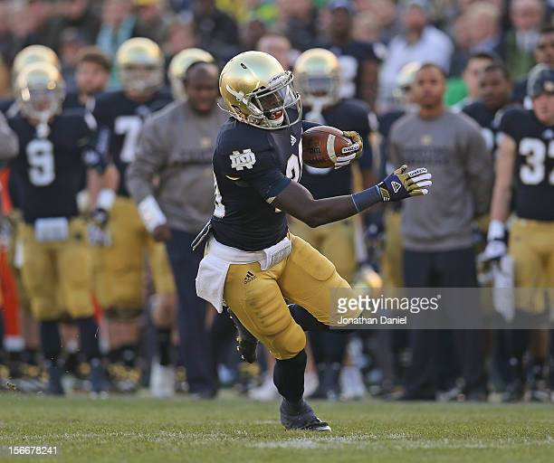 Cierre Wood of the Notre Dame Fighting Irish runs against the Wake Forest Demon Deacons at Notre Dame Stadium on November 17 2012 in South Bend...