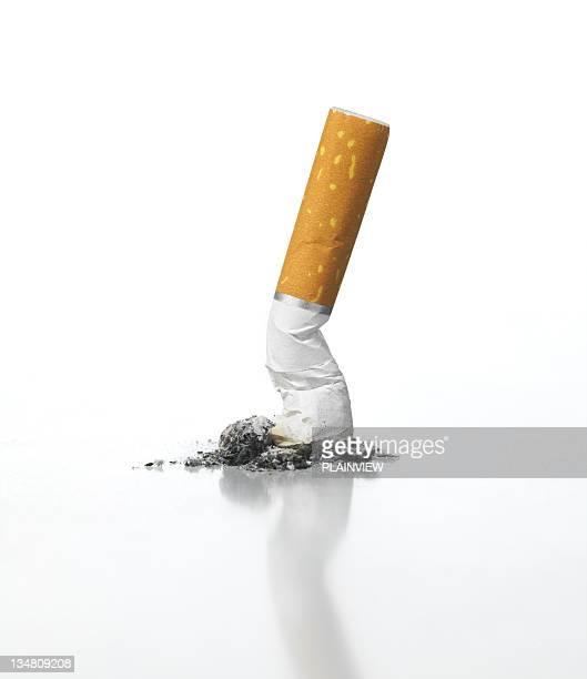 cigarette - cigarette photos et images de collection