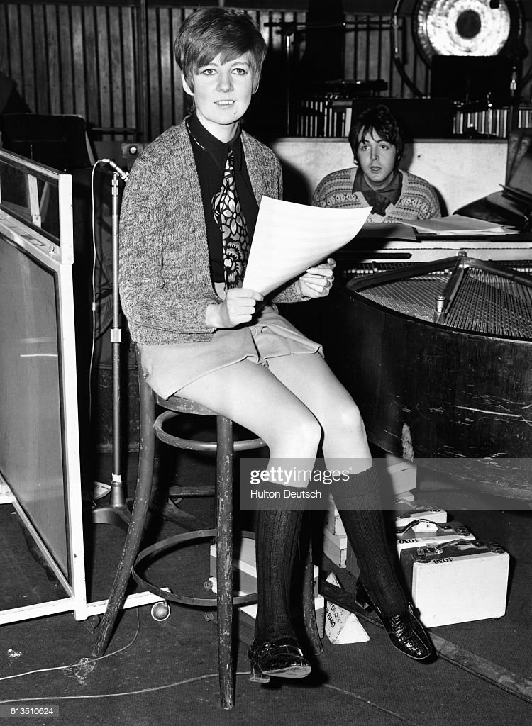 https://media.gettyimages.com/photos/cilla-black-at-chappell-studios-london-recording-step-inside-love-picture-id613510624