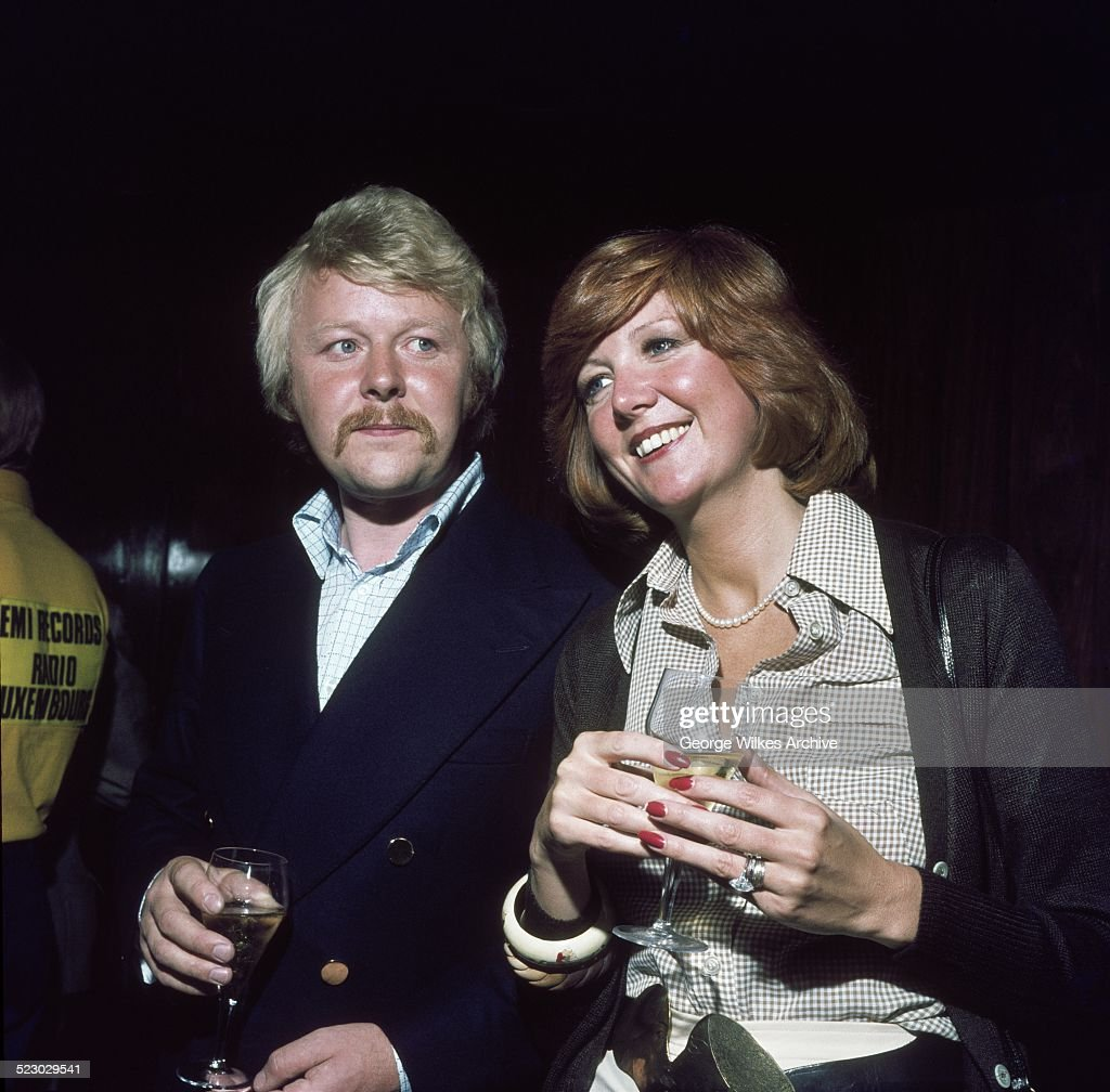 Cilla Black And Bobby Willis : News Photo