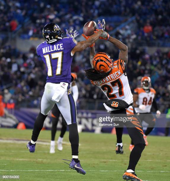 Cinciannti Bengals defensive back Dre Kirkpatrick knocks the ball away from Baltimore Ravens wide receiver Mike Wallace in the second quarter at MT...