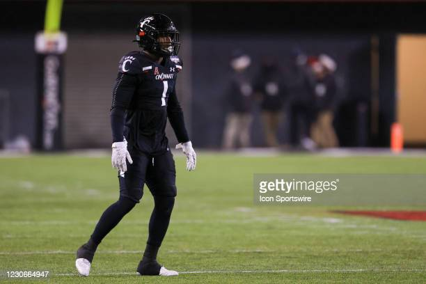 Cincinnati Bearcats safety James Wiggins in action during the AAC Championship game against the Tulsa Golden Hurricane and the Cincinnati Bearcats on...
