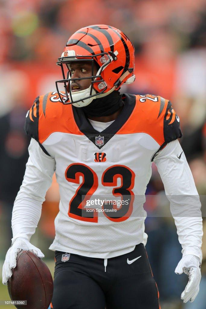 low priced 8bab0 df315 Cincinnati Bengals cornerback Darius Phillips on the field ...