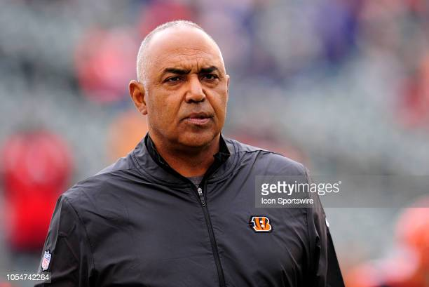 Cincinnati Bengals Head Coach Marvin Lewis looks on as players warm up for the NFL football game between the Tampa Bay Buccaneers and the Cincinnati...