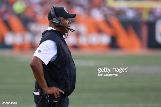 Cincinnati Bengals head coach Marvin Lewis watches a play during the preseason game against the Kansas City Chiefs and the Cincinnati Bengals at Paul...