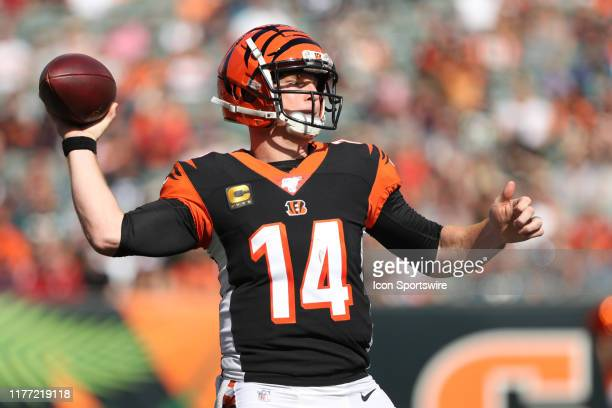 Cincinnati Bengals quarterback Andy Dalton passes the ball during the game against the Jacksonville Jaguars and the Cincinnati Bengals on October...