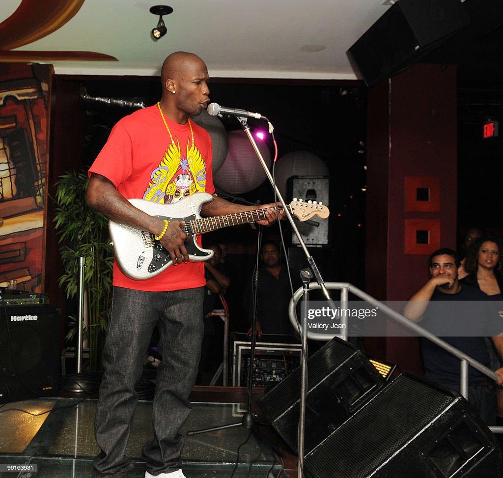 LeBron James Hosts 400 Club At Karma Nightclub : News Photo