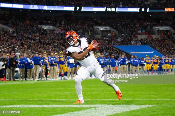 Cincinnati Bengals Running Back Joe Mixon catches the ball in the end zone for a touchdown during the NFL game between the Cincinnati Bengals and the...