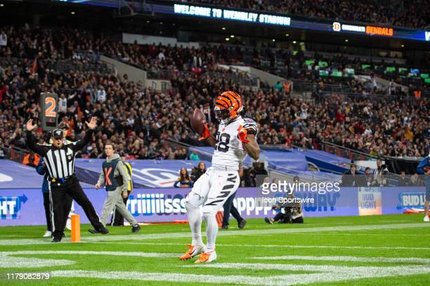 Cincinnati Bengals Running Back Joe Mixon celebrates in the end zone after scoring a touchdown during the NFL game between the Cincinnati Bengals and...