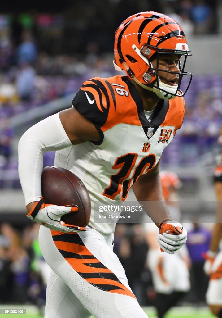 Cincinnati Bengals Wide Receiver Cody Core warms up before a NFL ...