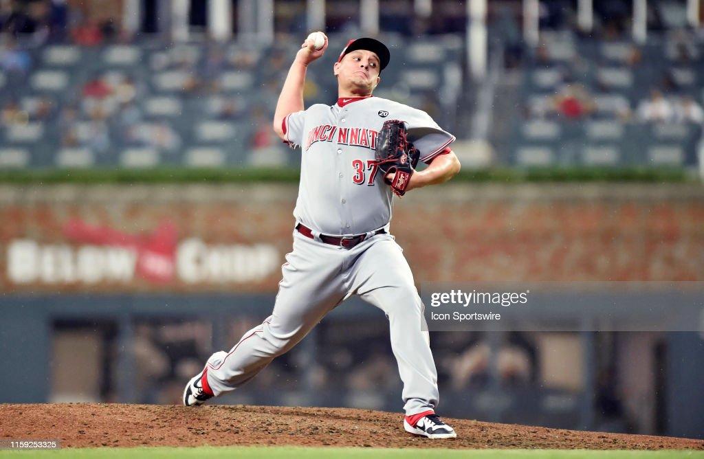 MLB: AUG 01 Reds at Braves : News Photo