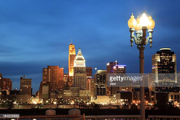 cincinnati skyline, ohio - cincinnati stock pictures, royalty-free photos & images