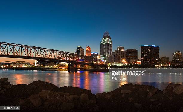 cincinnati skyline - ohio stock photos and pictures