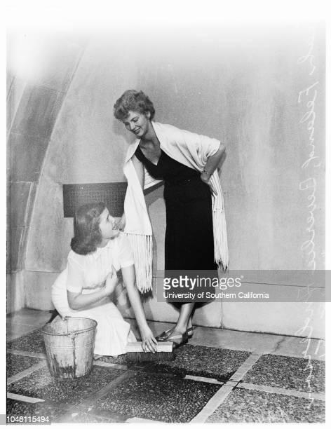 Cinderella' contest 18 October 1951 Leah Feland Beverlie Anderson Ann Short 15 years Judy Lynn Roberts 16 years Sandra Gilman 16 years Carol Neely 16...