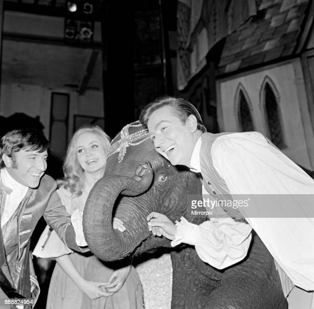 Cinderella rehearsals at the Manchester Palace Theatre Vince Hill as the Prince Pippa Steel as Cinderella and Des O'Connor as Buttons with Tanya the...