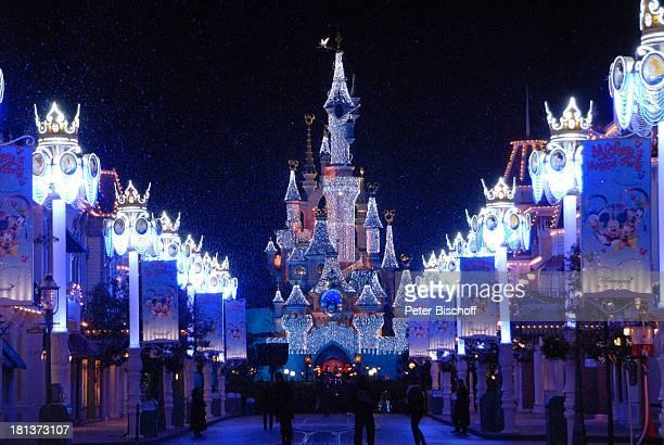 """Cinderella-Schloß und """"Mainstreet"""", Eröffnung der Weihnachtssaison 2009, """"Disneyland Resort Paris"""", Paris, Frankreich, Europa, """"Disneyland Park"""",..."""