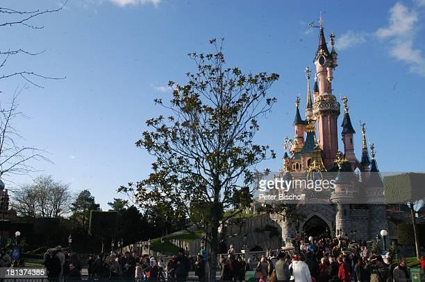 CinderellaSchloss 'Disneyland Park' 'Disneyland Resort Paris' Paris Frankreich Europa Freizeitpark Vergnügungspark Reise