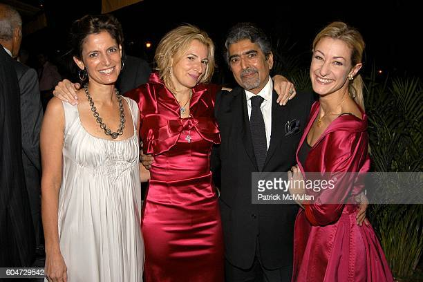 Cindi Leive Marisa Acocella Marchetto Sonny Mehta and Paula Froelich attend GLAMOUR hosts Marisa Acocella Marchetto's CANCER VIXEN Book Party at Da...