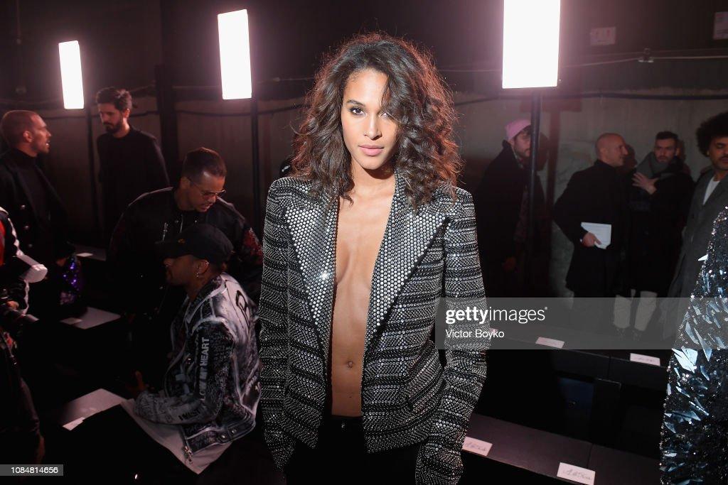 Balmain Homme : Front Row - Paris Fashion Week - Menswear F/W 2019-2020 : News Photo