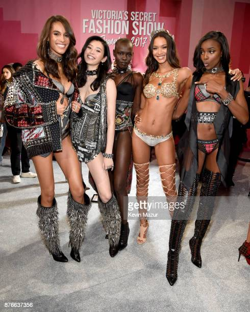 Cindy Bruna Ming Xi Grace Bol Lais Riberio and Leomie Anderson pose backstage during 2017 Victoria's Secret Fashion Show In Shanghai at MercedesBenz...