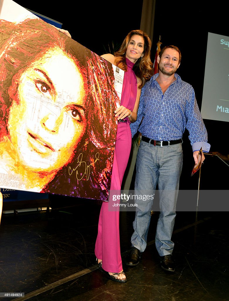 Cindy Crawford Author Event : News Photo