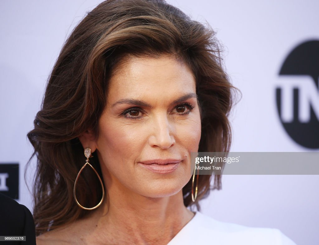 Cindy Crawford arrives to the American Film Institute's 46th Life Achievement Award Gala Tribute held on June 7, 2018 in Hollywood, California.