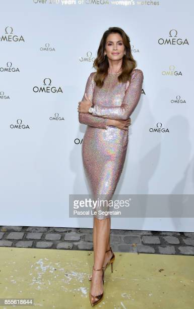 Cindy Crawford attends 'Her Time' Omega Photocall as part of the Paris Fashion Week Womenswear Spring/Summer 2018 on September 29 2017 in Paris France