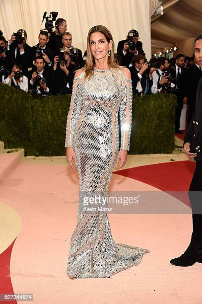 Cindy Crawford attends 'Manus x Machina Fashion In An Age Of Technology' Costume Institute Gala at Metropolitan Museum of Art on May 2 2016 in New...