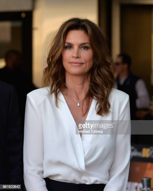 Cindy Crawford attends the 9th Annual Big Fighters Big Cause Charity Boxing Night Benefiting The Sugar Ray Leonard Foundation at the Loews Santa...
