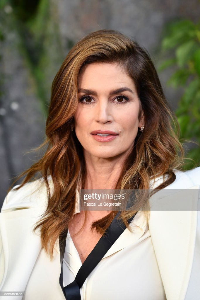 UNS: Happy Birthday Cindy Crawford!