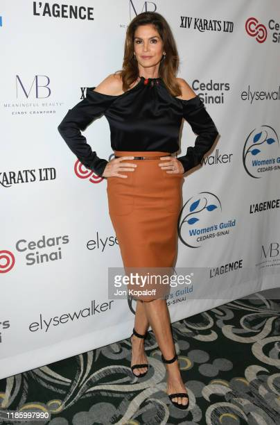Cindy Crawford attends Women's Guild Cedars-Sinai Annual Luncheon at Regent Beverly Wilshire Hotel on November 06, 2019 in Beverly Hills, California.