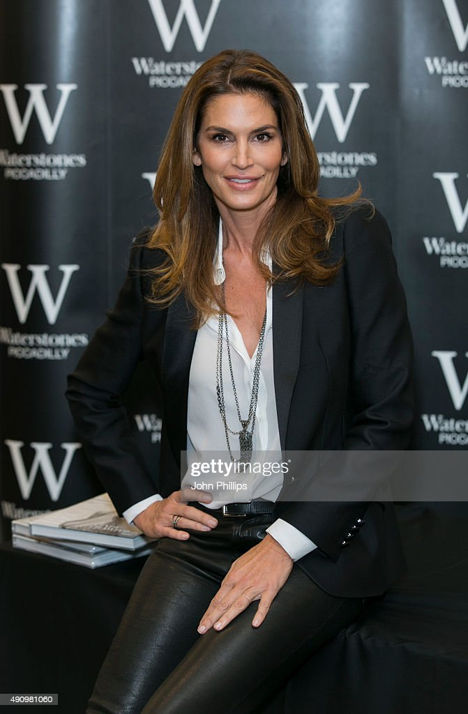 Cindy Crawford Book Signing : News Photo