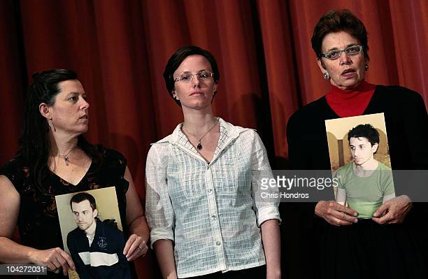 Cindy Hickey recentlyreleased hiker Sarah Shourd and Laura Fattal stand during a press conference September 19 2010 in New York City Shourd gave a...