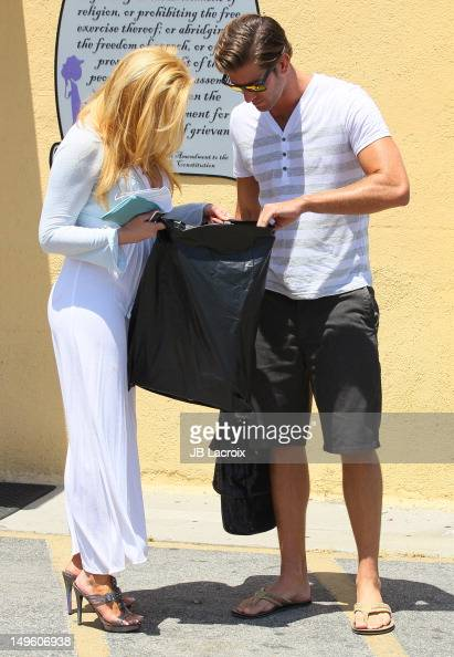 Cindy Margolis And Scott Cartmill Shop At A Touch Of -6139