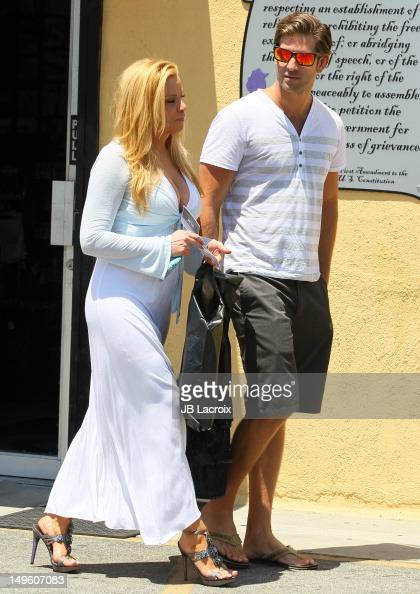 Cindy Margolis And Scott Cartmill Shop At A Touch Of -8468