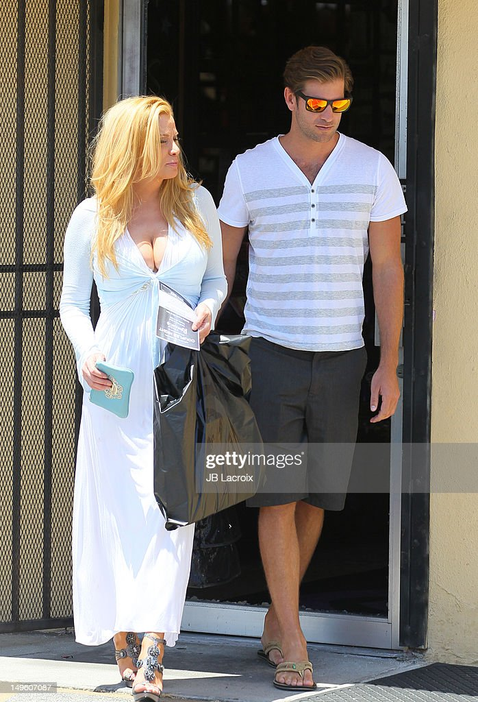 Cindy Margolis And Scott Cartmill Shop At A Touch Of -8755