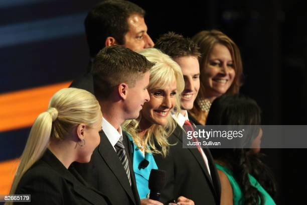 Cindy McCain wife of Republican US presidential nominee US Sen John McCain stands with her children Meghan Jimmy Jack Doug Bridget and Sidney during...