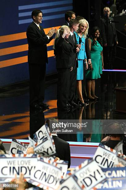 Cindy McCain wife of Republican US presidential nominee US Sen John McCain stands with her children Meghan Andy Jimmy Doug Bridget and Sidney during...
