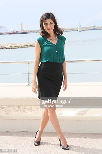 Cindy Sampson attends 'Private Eyes' Photocall on April 4 2016 in Cannes France