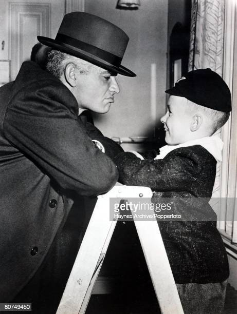 Cinema A picture of the American film actors Jeff Chandler and Tim Hover in Hollywood