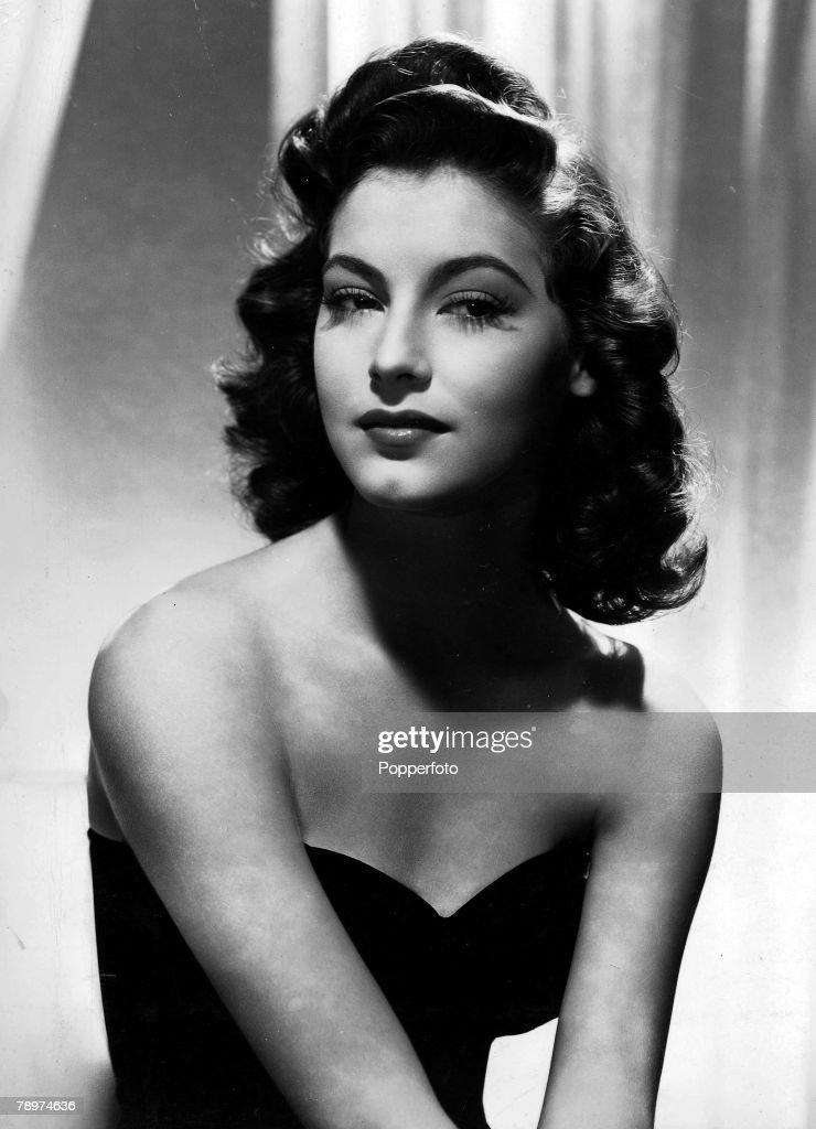 Cinema. American film star Ava Gardner. Circa 1940's : News Photo