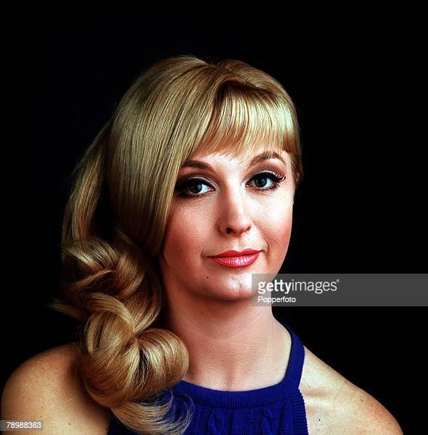 Cinema British actress Nyree Dawn Porter Portrait 1967