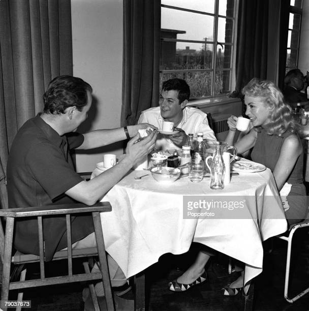 Cinema Elstree England American film star Tony Curtis is pictured during a visit to see his wife Janet Leigh who is filming the movie 'Safari' With...