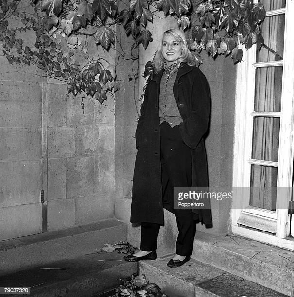Cinema England Australian born actress Diane Cilento