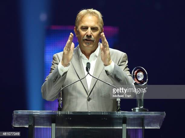 Cinema Icon Award winner Kevin Costner speaks onstage at The CinemaCon Big Screen Achievement Awards at Cinemacon 2014 Day 4 held at The Colosseum at...