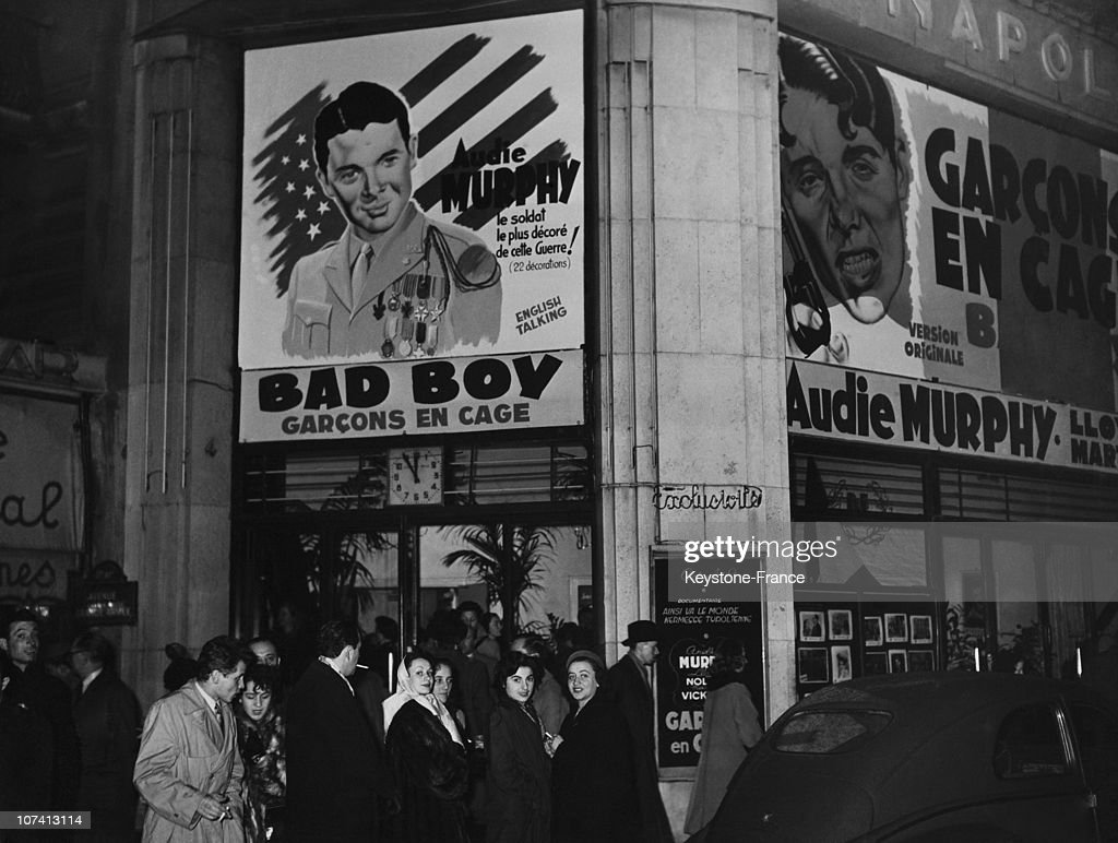 Cinema Napoleon, Bad Boy With Audie Murphy At Paris In France During Fifties : News Photo