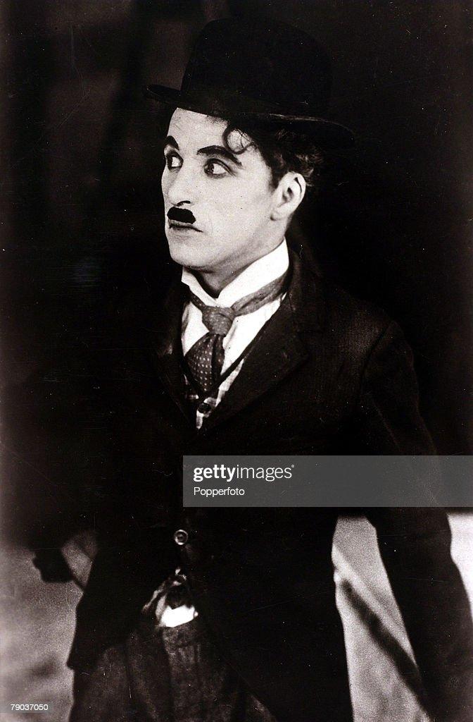 a biography of charles spencer chaplin the english entertainer Sir charles spencer chaplin (közismertebb nevén charlie chaplin, london, 1889 április 16 – vevey, svájc, 1977 december 25) angol filmrendező, forgatókönyvíró, színész, zeneszerző, vágó, filmproducer.