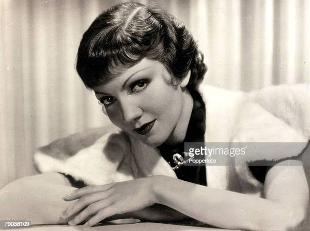 Cinema Personalities circa 1930's French born actress Claudette Colbert who went to America at the age of 3 in 1906 and made her Broadway debut in...