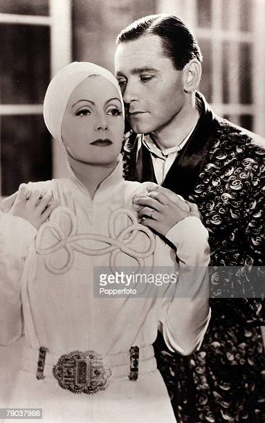 Cinema, Personalities, circa 1930+s, Swedish born film actress Greta Garbo, born Stockholm 1905, pictured in a scene with actor Herbert Marshall, She...