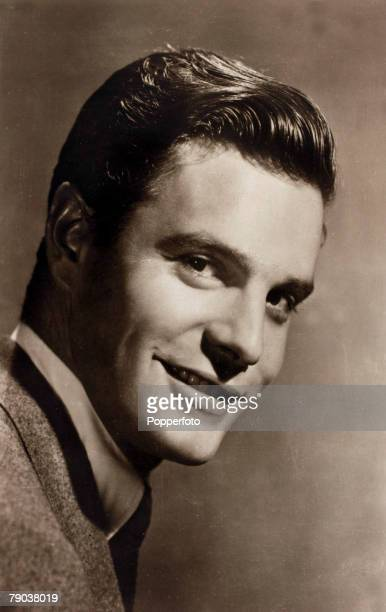 Cinema Personalities circa 1950 French actor Louis Jourdan who often played the part of the continental lover during World War II he was a member of...